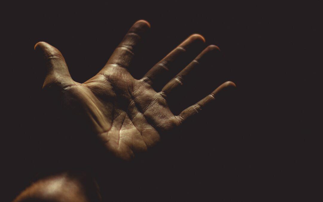 Halál van a kezeden